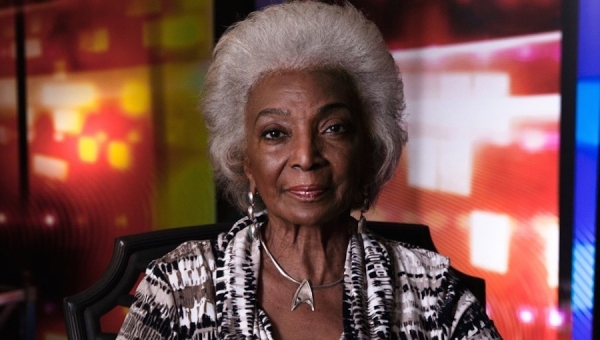 Saturn Awards 2016: Sci-Fi Icon Nichelle Nichols ('Star Trek') Chats with Fanbase Press